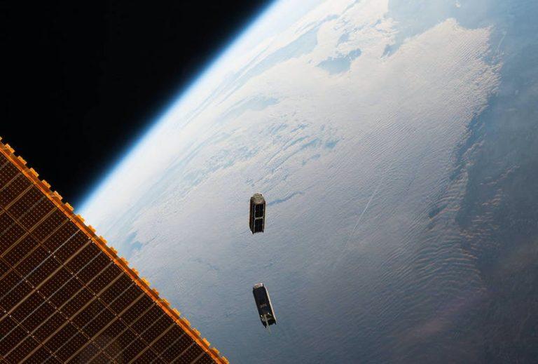 Un chercheur alerte sur le risque de piratage des petits satellites comme ceux de la constellation de SpaceX