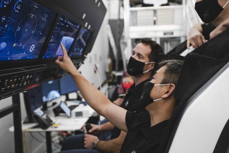 Fin du suspense : c'est avec le Crew Dragon de SpaceX que Thomas Pesquet décollera l'année prochaine !